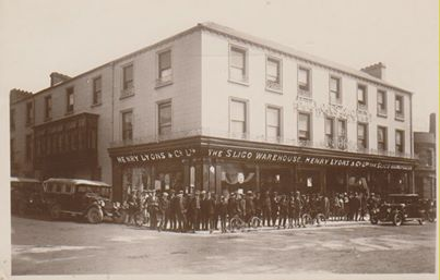 Henry Lyons Shop and all staff in 1920
