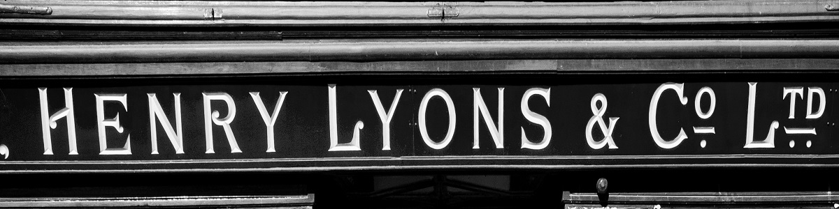 Henry Lyons & Co. Logo